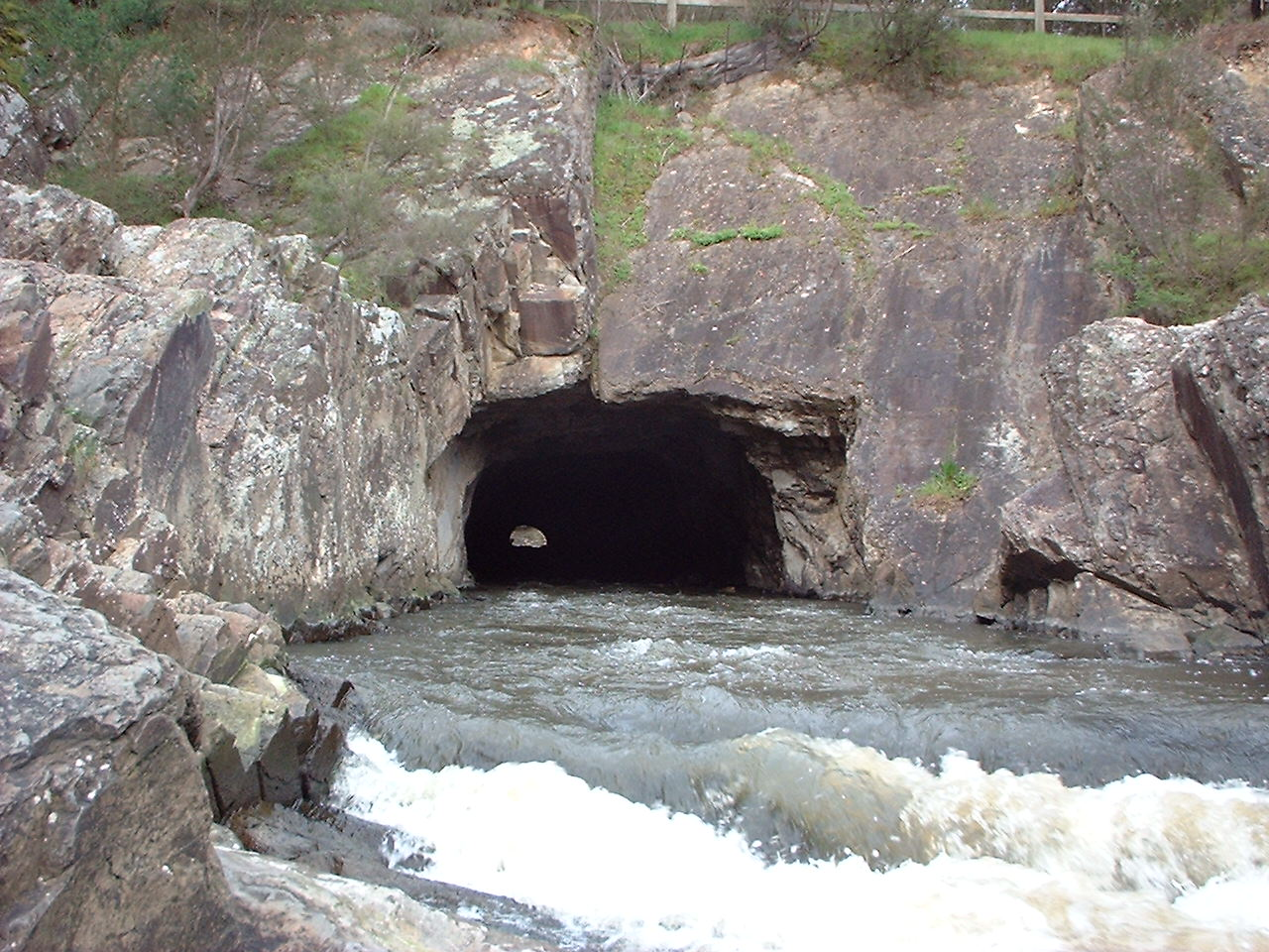 pound_bend_tunnel